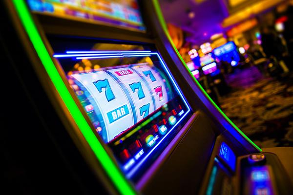 Что важно знать о казино Азарт Плей